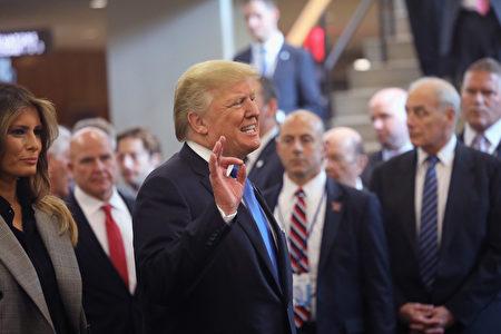 就在美國總統川普(特朗普)對中共持續施壓、迫其開放經濟之後,中共似乎準備放鬆對外國汽車製造商和銀行的限制。(John Moore/Getty Images)