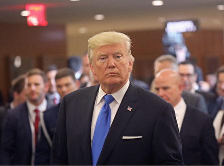 根據數個九月份全美民調,美國總統川普(特朗普)支持度回升,逾四成民眾滿意他的工作表現。(John Moore/Getty Images)
