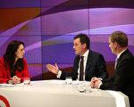 9月20日在奧克蘭舉行的第二次領導人辯論,主持人Mike Hosking主持了勞工黨黨魁Jacinda Ardern和總理Bill English之間的辯論。(Phil Walter/Getty Images for Television New Zealand)
