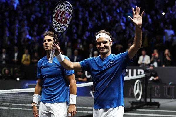 纳达尔(左)、费德勒(右)。(Photo by Julian Finney/Getty Images for Laver Cup)