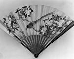 中国折扇花鸟绘画,清朝郎世宁作品。(维基百科公共领域)
