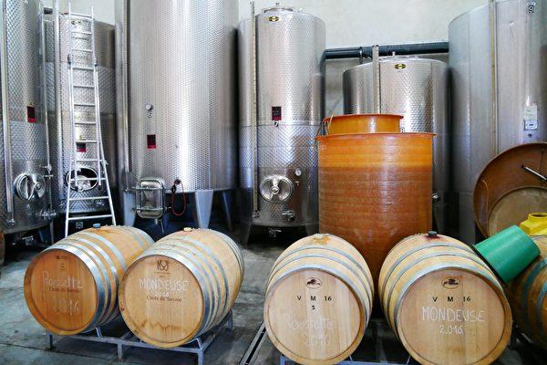 Roger Billard的酒窖。(龔簡/大紀元)