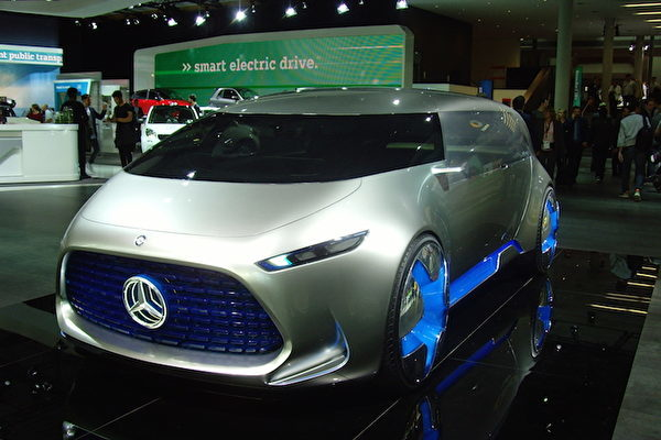 2017年法兰克福国际车展IAA上的奔驰Vision Tokyo概念车。(穆华/大纪元)