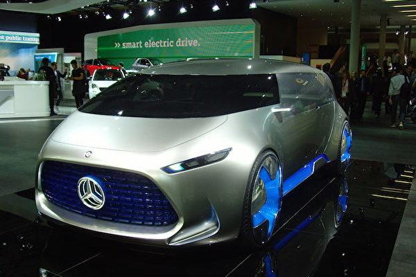2017年法蘭克福國際車展IAA上的奔馳Vision Tokyo概念車。(穆華/大紀元)