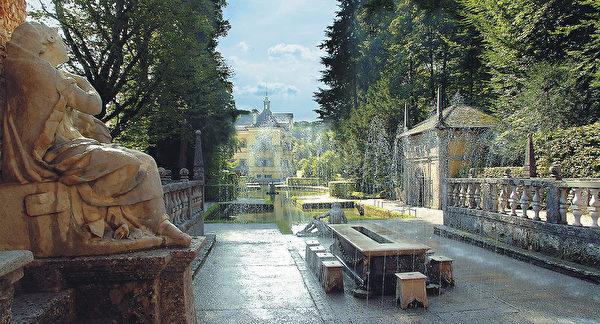 亮泉宮(Hellbraune)庭院內的機關噴泉。(薩爾茨堡旅遊局提供)