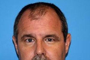 2011年在橙縣海豹灘髮廊槍手戴卡拉(Scott Evans Dekraai)的收監照。(警方提供)