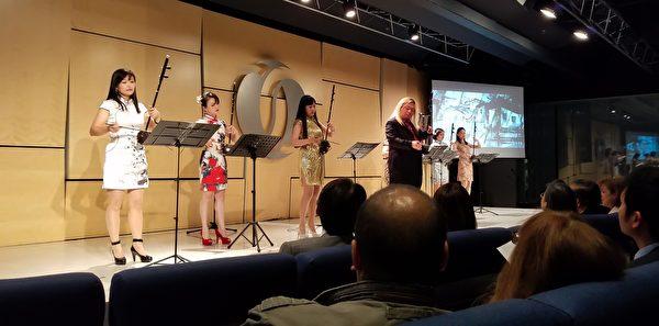 駐英台北代表處和歐洲復興開發銀行亞洲網絡(EBRD Asian Network )共同舉辦舉辦的秋季音樂會,邀請了台灣著名的二胡演奏家溫金龍及其團隊赴倫敦表演。(羅元/大紀元)