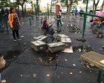 居民們反映,自從華人使用增多,原本環境清幽的公園完全走樣、面目全非,令她們這些帶孩子的媽媽們相當苦惱。 (黃妮可提供)