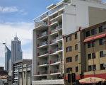 珀斯内城区公寓房供过于求很严重,业界专家警告珀斯公寓房业主们还将面临多年的销售困境。(高敏/大纪元)