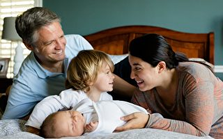 研究發現兒童出生時家庭的社會經濟以及情感狀況對其未來的人生方向起著重要的決定作用。(Pixabay)