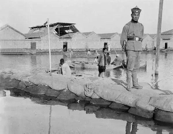 天津的警察,摄于1917年-1919年之间。(甘博/公有领域)