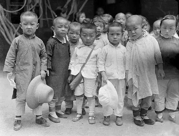 北京幼稚园里的孩子,摄于1917年-1919年之间。(甘博/公有领域)