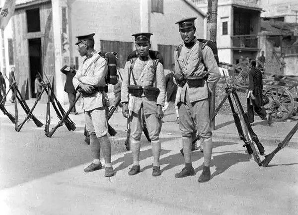 广州的士兵,摄于1917年-1919年之间。(甘博/公有领域)