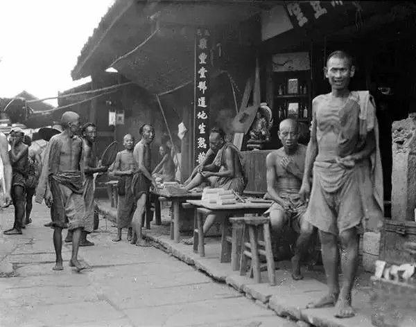 四川遂宁的街头生活,摄于1917年-1919年之间。(甘博/公有领域)