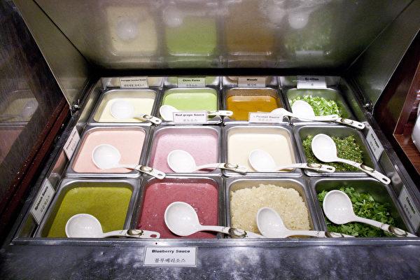 20餘種醬料不含味精添加劑 。(餐廳提供)