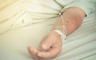 在患者胸腔植入迷走神經刺激器後,這名植物人已有恢復知覺跡象。(Shutterstock)
