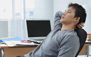 久坐不起对于代谢与心血管功能有影响。(Shutterstock)