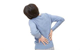 為何有些腰痛反復發作,難以除根?(Shutterstock)