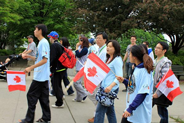 加拿大主流社会认为,能更好地为融入当地文化并回报社会是移民成功的标志。(Shutterstock)