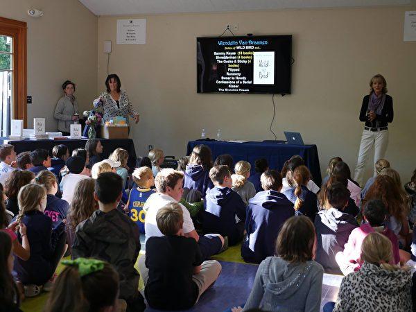 Hillbrook聘请知名作家与学生分享经历。(北加州私立学校Hillbrook(K-8)提供)