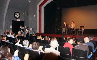 获奖纪录片《活摘(Human Harvest)》的放映研讨会现场。主奖人乔高(左,David Kilgour)和楚锐博士(右,Torsten Trey)。(黄剑宇/大纪元)