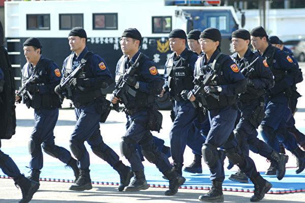 台湾警政署强调,除要求北市警局扩大追查幕后分子外,近期将执行双北地区联合扫黑,打击帮派据点。(AFP)