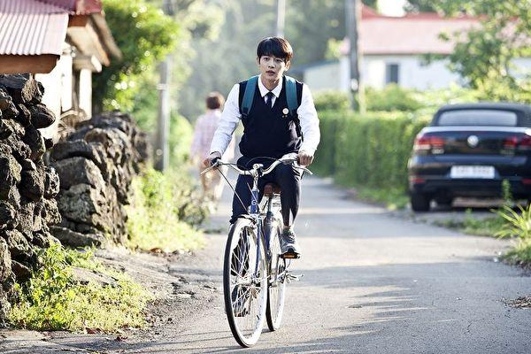 《季春奶奶》崔珉豪演技获好评。(车库娱乐提供)