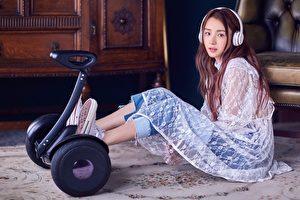 網路直播歌手二珂,將於10月11日推出首張個人專輯,也即將展開新專輯巡演。(香蕉娛樂提供)