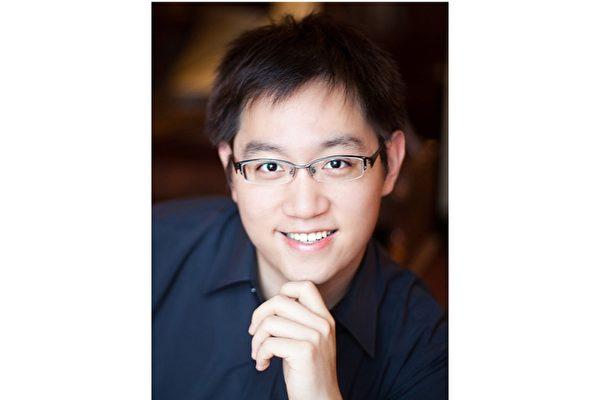 台湾旅美钢琴演奏家陈逸阳赢得今年Waring国际钢琴比赛首奖,18日(本地时间)将登上卡内基音乐厅独奏,演奏贝多芬等一系列古典钢琴乐曲。(文化部驻纽约台北文化中心提供)