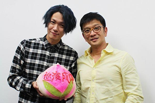 歌手黄少谷(左)以本名重新出发,刚过36岁的生日的他,差点被老板陈子鸿(右)吓到。(喜欢音乐提供)