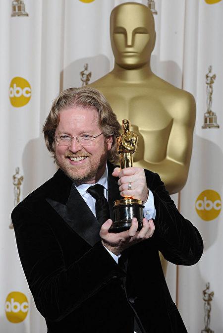 2009年,安德鲁以《瓦力》获得奥斯卡最佳动画片奖。(MARK RALSTON/Getty Images)