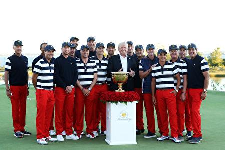 美國高爾夫球隊以總比分19比11擊敗了國際隊,連續第七次贏得總統盃冠軍。 (Sam Greenwood/Getty Images)