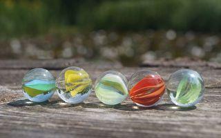 懷舊玩具:玻璃彈珠。(Pixabay CC0 1.0)