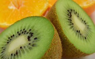好吃的奇異果貼紙上暗藏著身份訊息。(Pixabay)