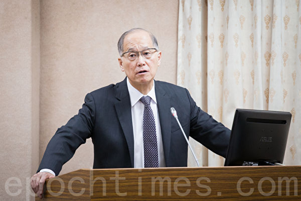 外交部長李大維表示,未來台灣的外交處境確實有可能會更加嚴峻,但外交官沒有選擇戰場的權利,只能全力以赴、把局面撐起來。(陳柏州/大紀元)