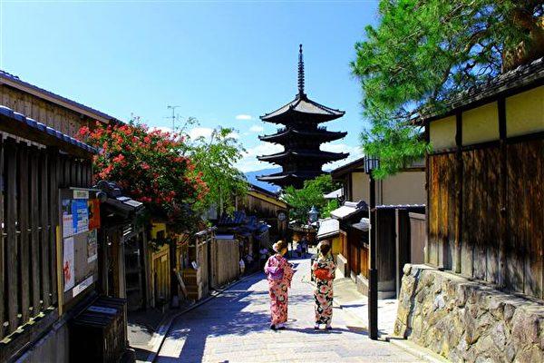 到过京都的人,对日本艺妓都会竖起大拇指,这是日本百年文化的一部分。(图:不累本铺提供)