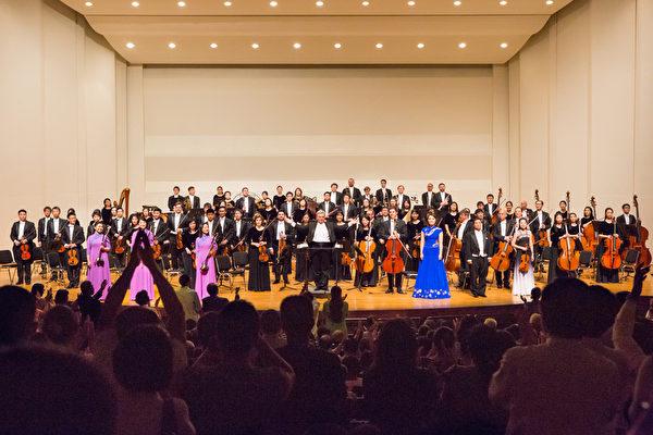 2017年9月神韻交響樂團開啟亞洲巡演,圖為臺灣演出現場。(陳霆/大紀元)