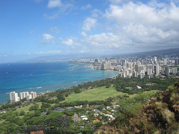 从钻石头山俯瞰檀香山市区。 (strecosa/CC/Pixabay)