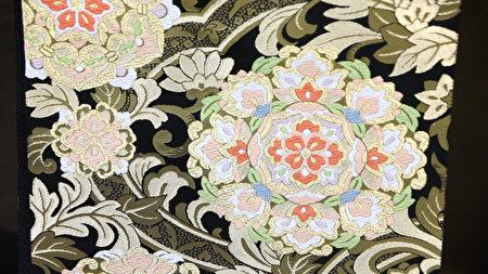 京都和服市場株式會社生產美觀舒適又易於清洗的和服材質。(葉妙音/大紀元)