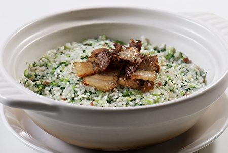 砂锅上海菜饭。(红粟上海经典小吃提供)