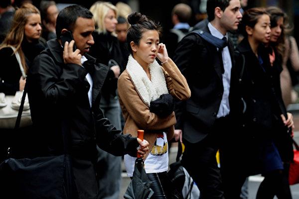 根据最新人口普查数据,全澳的四分之一的专业人士——包括律师、医生、会计师、工程师等都云集在悉尼,目前悉尼的专业人士已达近60万。(GREG WOOD/AFP/Getty Images)