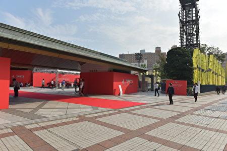"""10月12日法拉利在位于东京两国的相扑竞技场""""国技馆""""举行了""""Driven by Emotion""""的70周年纪念活动。(野上浩史/大纪元)"""