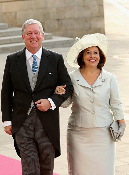 南斯拉夫王国王储亚历山大王子与王储妃凯瑟琳。(Sean Gallup/Getty Images)