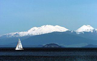 新西蘭最大湖泊——陶波湖是世界上最大的超級火山之一。(Phil Walter/Getty Images)
