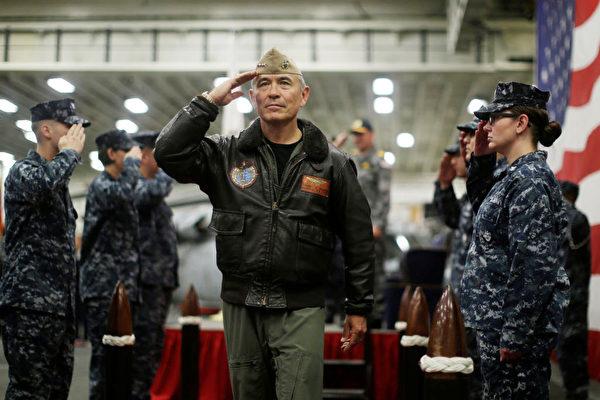 川普政府有意任命四星海军上将哈里斯(Admiral Harry Harris)为澳洲大使,四星上将是和平时期美国海军中的最高军衔。 (Jason Reed - Pool/Getty Images)