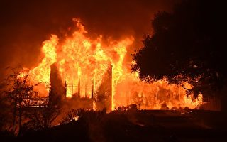 与烈火拼速度 加州警察深夜救人视频曝光