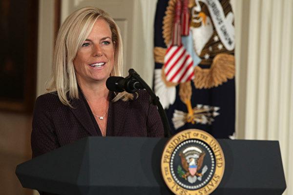 获川普提名担任国土部部长的尼尔森。(Alex Wong/Getty Images)