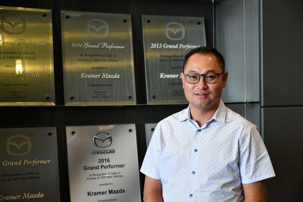 車行總經理Dennis Kwan