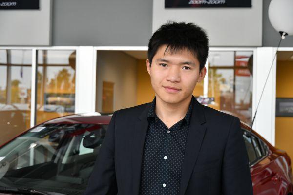 車行銷售冠軍Mark Zhang。