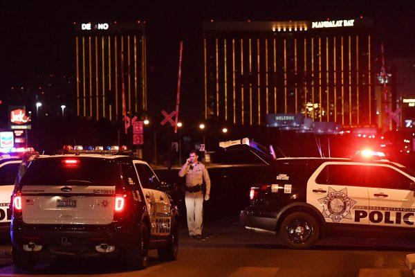 10月1日,拉斯維加斯發生了美國歷史上最大的槍擊案。 (Mark Ralston/AFP/Getty Images)